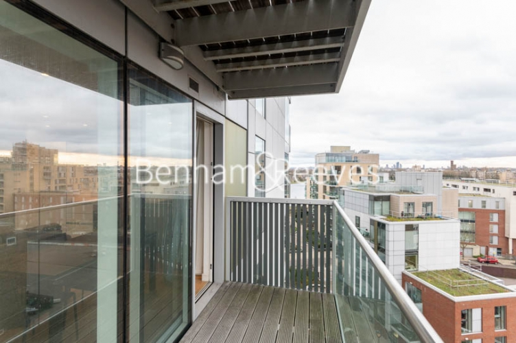 1 bedroom(s) flat to rent in Woodberry Park, Finsbury Park, N4-image 5