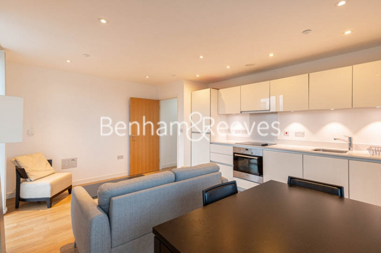 1 bedroom(s) flat to rent in Woodberry Park, Finsbury Park, N4-image 7