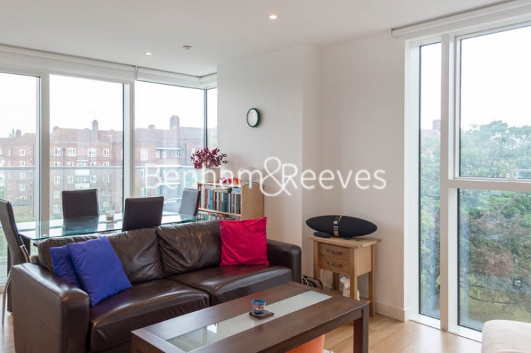 1 bedroom(s) flat to rent in Woodberry Grove, Finsbury Park, N4-image 1