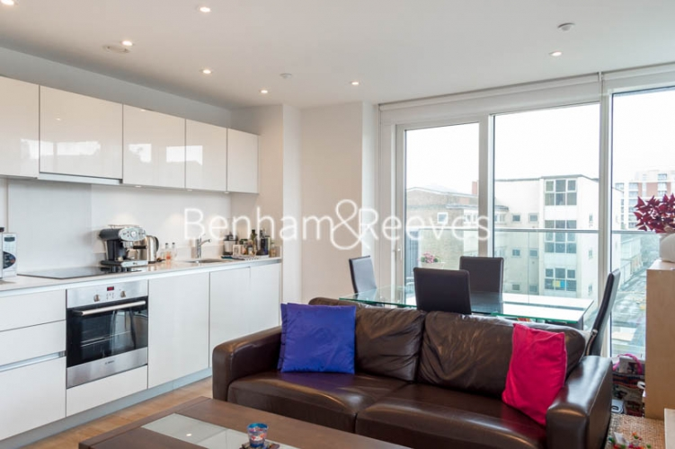 1 bedroom(s) flat to rent in Woodberry Grove, Finsbury Park, N4-image 5