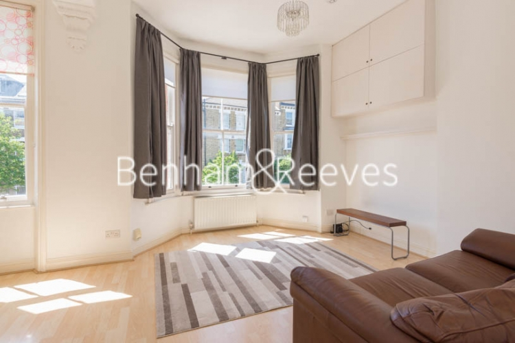 2 bedroom(s) flat to rent in Bickerton Road, Archway, N19-image 1