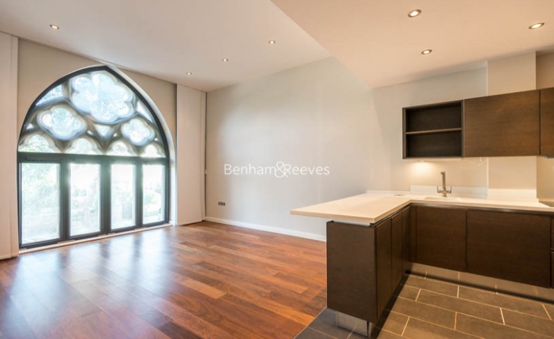 2 bedroom(s) flat to rent in Highgate Road, Dartmouth Park, NW5-image 1