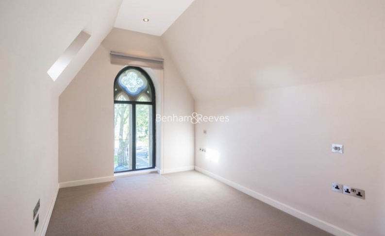 2 bedroom(s) flat to rent in Highgate Road, Dartmouth Park, NW5-image 3