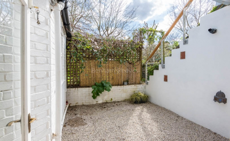 2 bedroom(s) flat to rent in Tufnell Park Road, Tufnell Park, N7-image 8