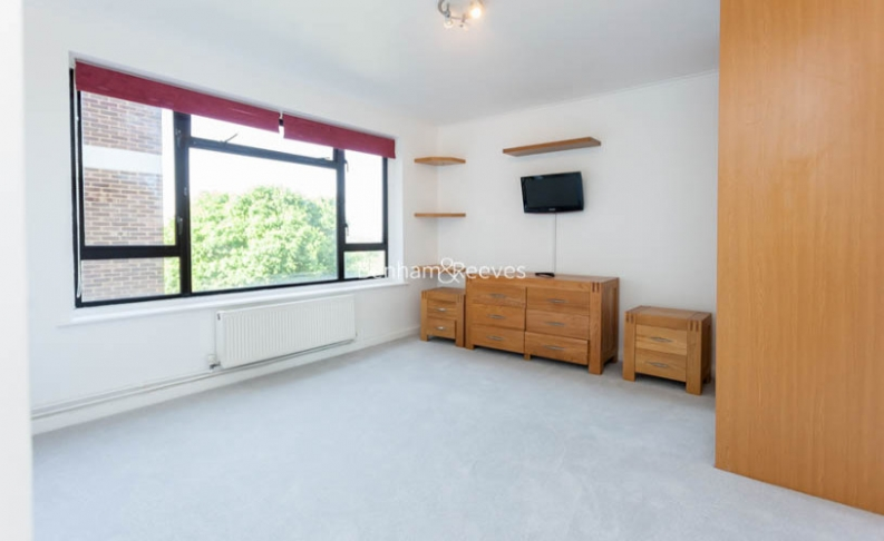 3 bedroom(s) flat to rent in Shepherds Hill, Highgate, N6-image 7