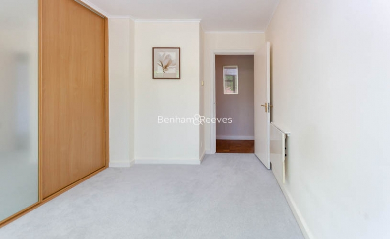 3 bedroom(s) flat to rent in Shepherds Hill, Highgate, N6-image 11