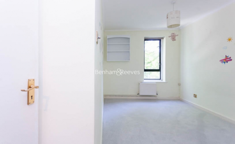 3 bedroom(s) flat to rent in Shepherds Hill, Highgate, N6-image 12