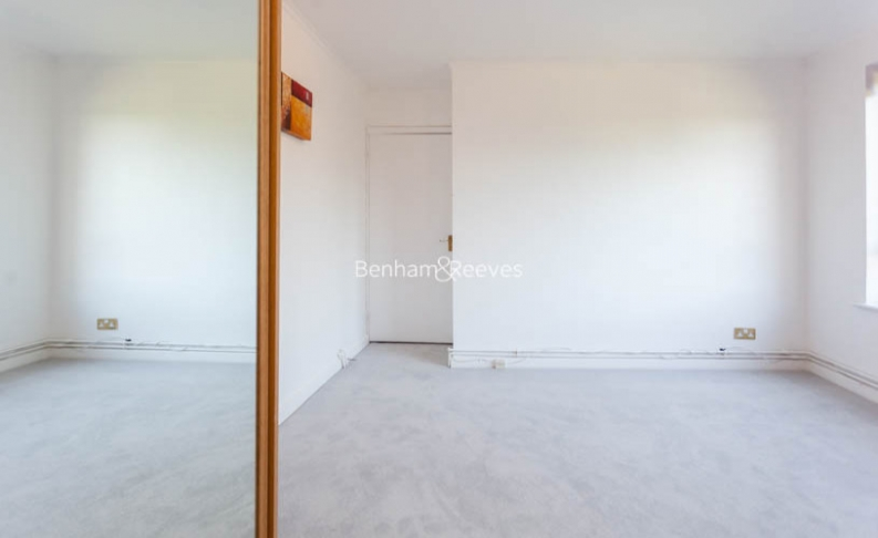 3 bedroom(s) flat to rent in Shepherds Hill, Highgate, N6-image 13