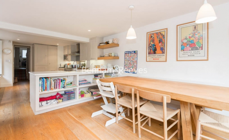 5 bedroom(s) house to rent in Cromwell Avenue, Highgate, N6-image 3
