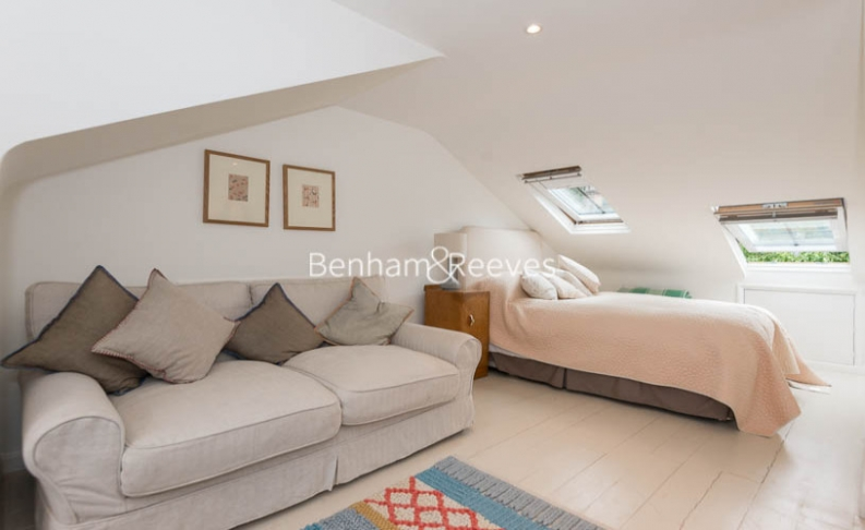 5 bedroom(s) house to rent in Cromwell Avenue, Highgate, N6-image 4