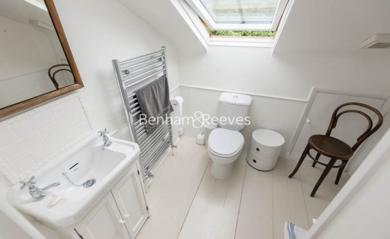 5 bedroom(s) house to rent in Cromwell Avenue, Highgate, N6-image 5