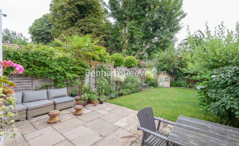 5 bedroom(s) house to rent in Cromwell Avenue, Highgate, N6-image 6