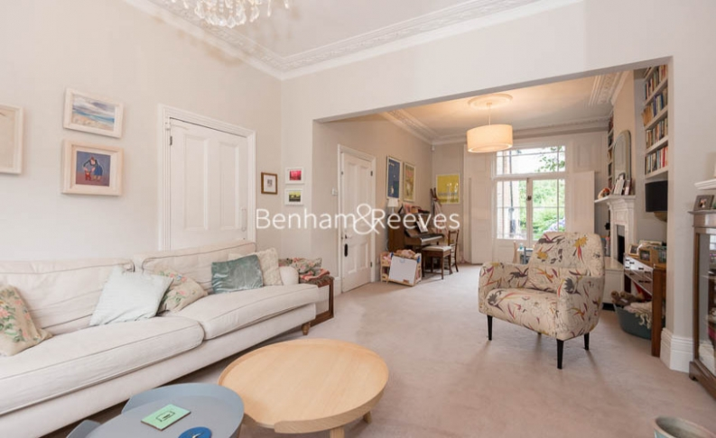 5 bedroom(s) house to rent in Cromwell Avenue, Highgate, N6-image 8
