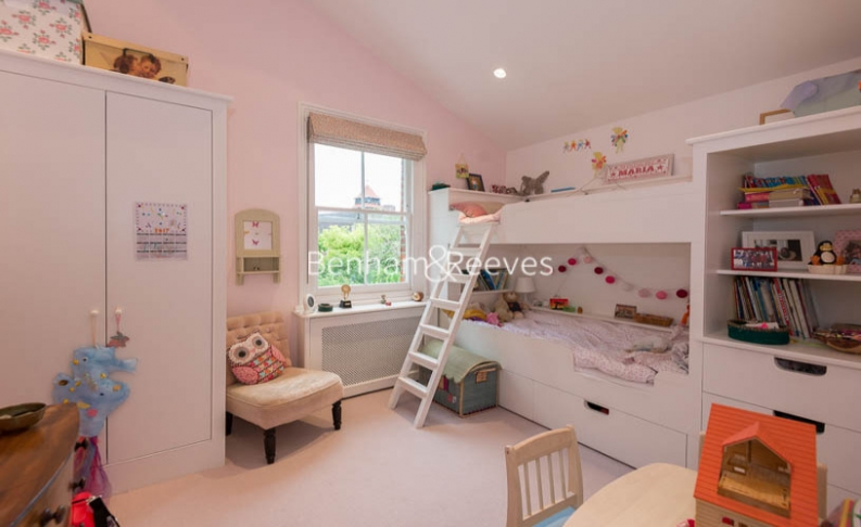 5 bedroom(s) house to rent in Cromwell Avenue, Highgate, N6-image 10