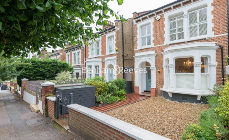5 bedroom(s) house to rent in Cromwell Avenue, Highgate, N6-image 12