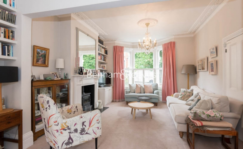 5 bedroom(s) house to rent in Cromwell Avenue, Highgate, N6-image 14