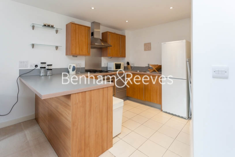 1 bedroom(s) flat to rent in Garand Court, Eden Grove, N7-image 2