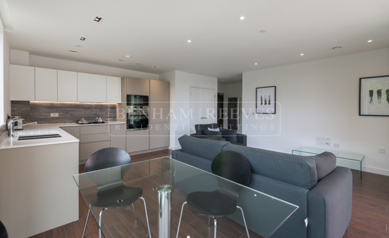 1 bedroom(s) flat to rent in Woodberry Down, Highgate, N4-image 2