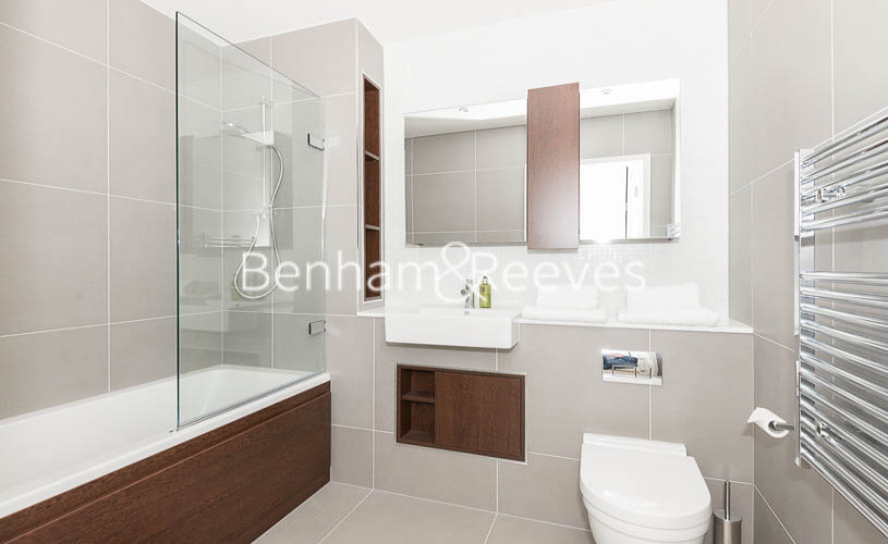 2 bedroom(s) flat to rent in Woodberry Park, Highgate, N4-image 5