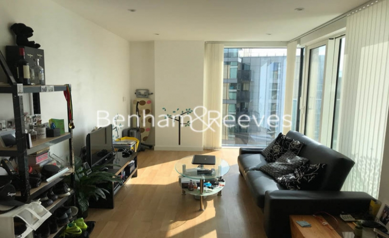 1 bedroom(s) flat to rent in Goodchild Road, Highgate, N4-image 1