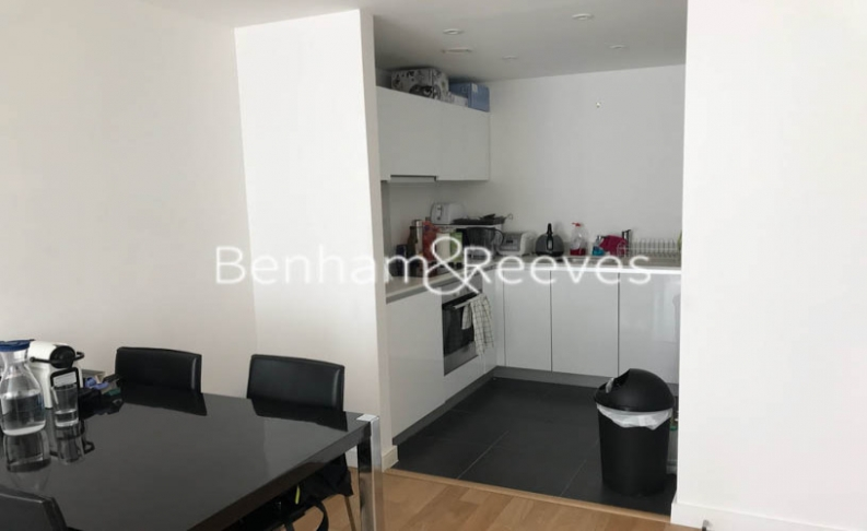 1 bedroom(s) flat to rent in Goodchild Road, Highgate, N4-image 2