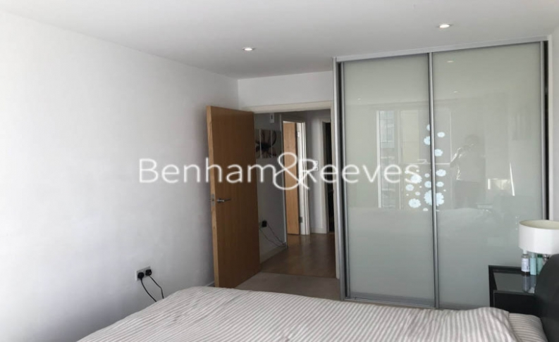 1 bedroom(s) flat to rent in Goodchild Road, Highgate, N4-image 3