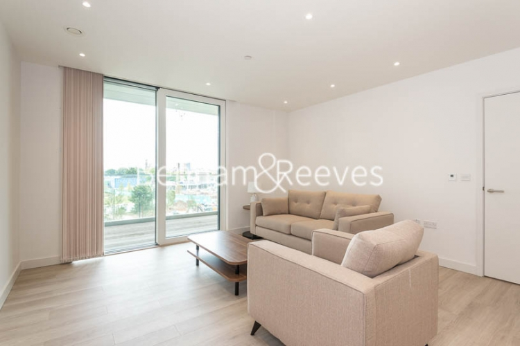 2 bedroom(s) flat to rent in Woodberry Park, Highgate, N4-image 10