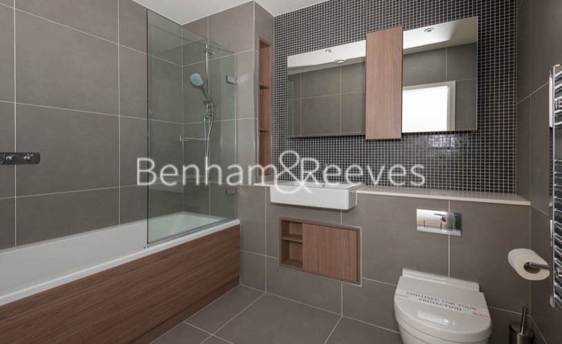 2 bedroom(s) flat to rent in Woodberry Park, Highgate, N4-image 4