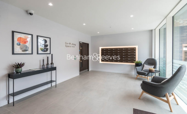 3 bedroom(s) flat to rent in Newton Close, Woodberry Park, N4-image 16