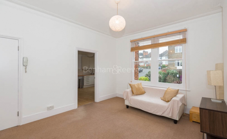 1 bedroom(s) flat to rent in Whitehall Park, Archway, N19-image 1