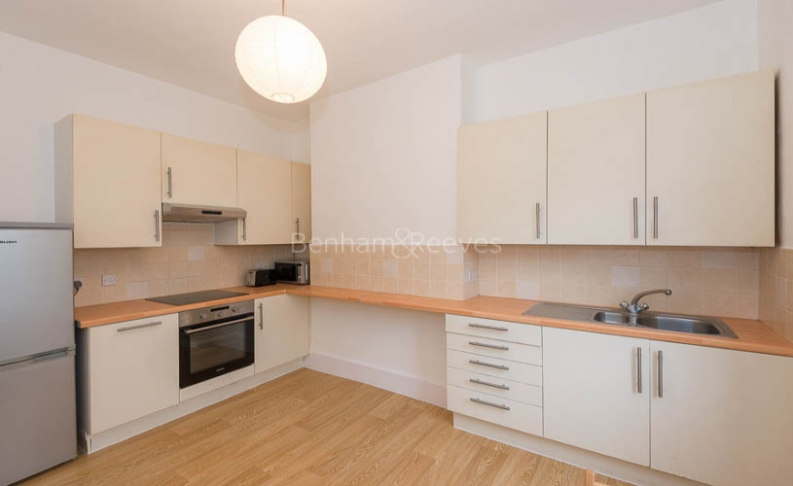 1 bedroom(s) flat to rent in Whitehall Park, Archway, N19-image 4