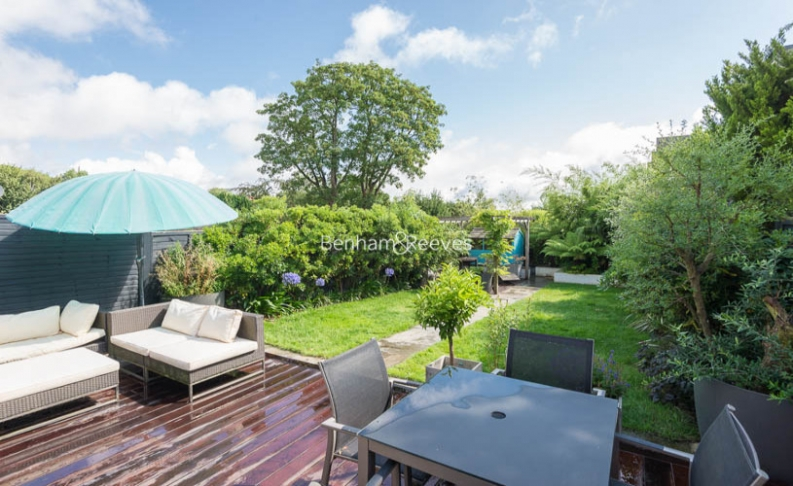 5 bedroom(s) house to rent in Muswell Hill Road, Highgate, N10-image 11