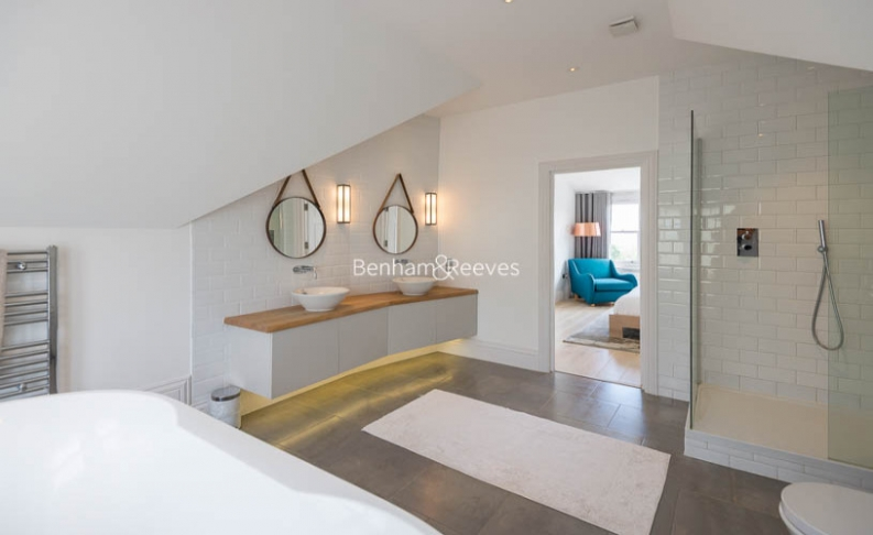 5 bedroom(s) house to rent in Muswell Hill Road, Highgate, N10-image 15