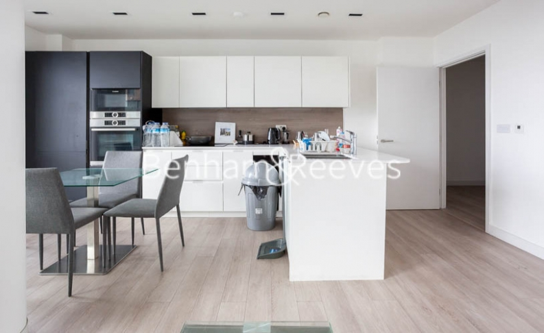 2 bedroom(s) flat to rent in Woodberry Park development, Highgate, N4-image 2