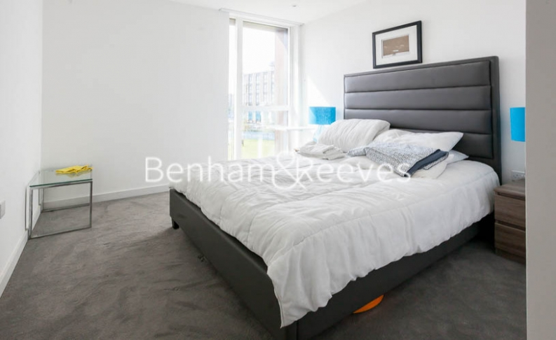 2 bedroom(s) flat to rent in Woodberry Park development, Highgate, N4-image 3