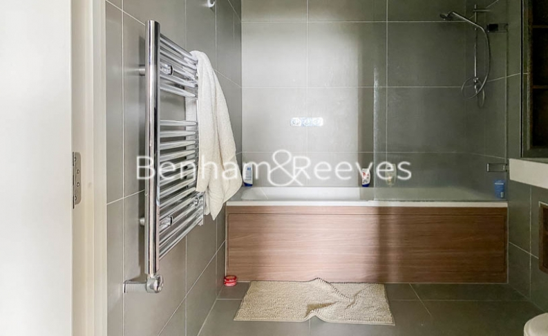 2 bedroom(s) flat to rent in Woodberry Park development, Highgate, N4-image 4