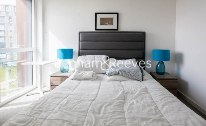 2 bedroom(s) flat to rent in Woodberry Park development, Highgate, N4-image 8
