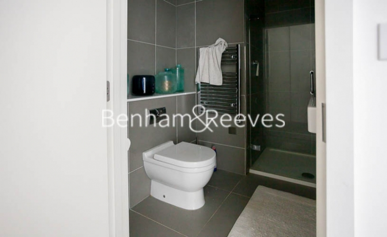 2 bedroom(s) flat to rent in Woodberry Park development, Highgate, N4-image 9