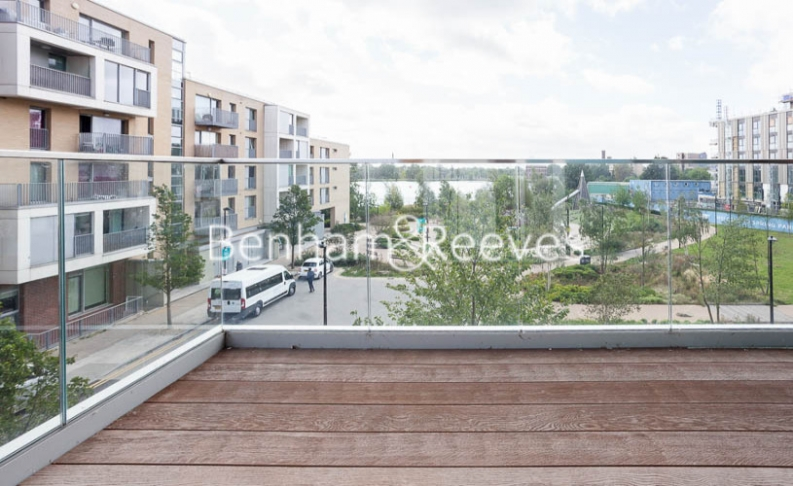2 bedroom(s) flat to rent in Woodberry Park development, Highgate, N4-image 10