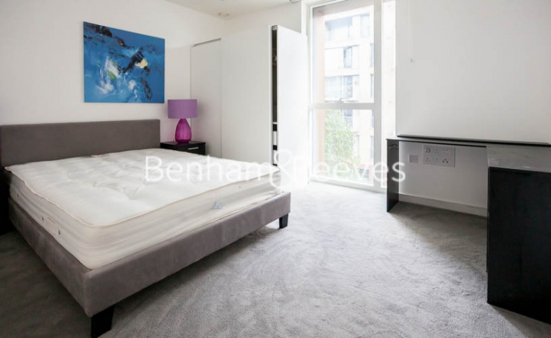 2 bedroom(s) flat to rent in Woodberry Park development, Highgate, N4-image 14
