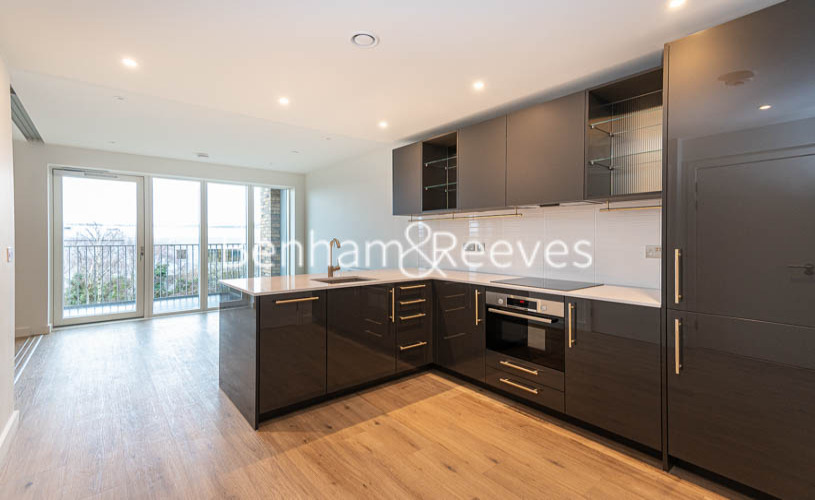 1 bedroom(s) flat to rent in Mary Neuner Road, Highgate N8-image 2
