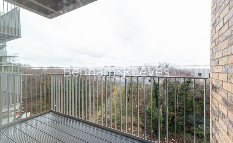 1 bedroom(s) flat to rent in Mary Neuner Road, Highgate N8-image 5