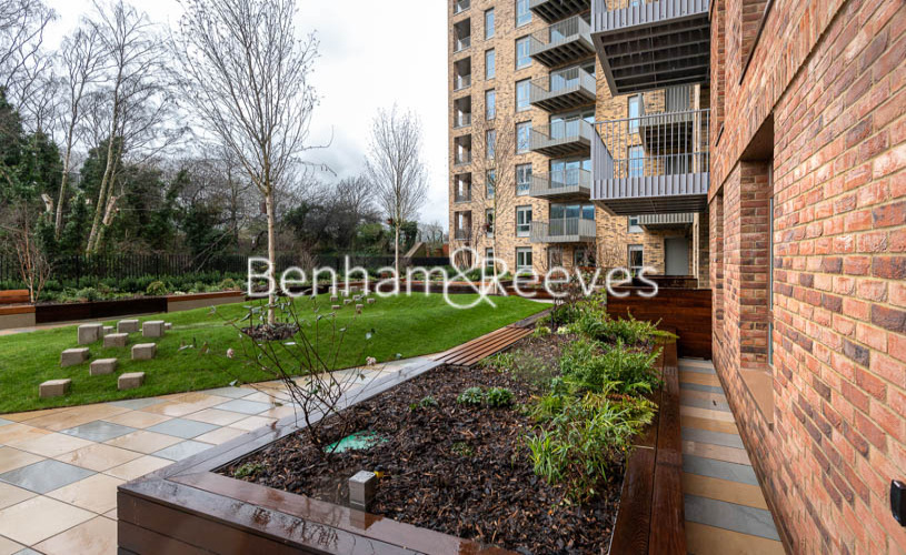 1 bedroom(s) flat to rent in Mary Neuner Road, Highgate N8-image 6