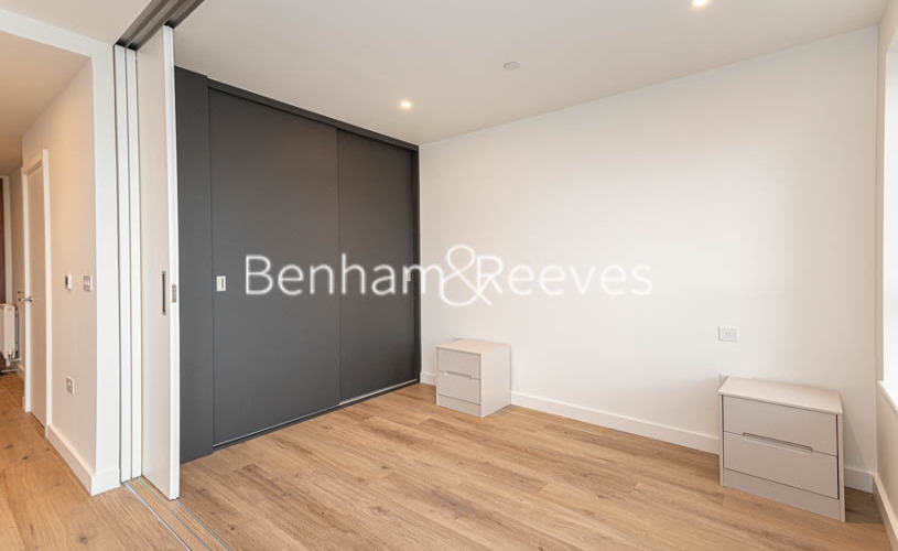 1 bedroom(s) flat to rent in Mary Neuner Road, Highgate N8-image 7