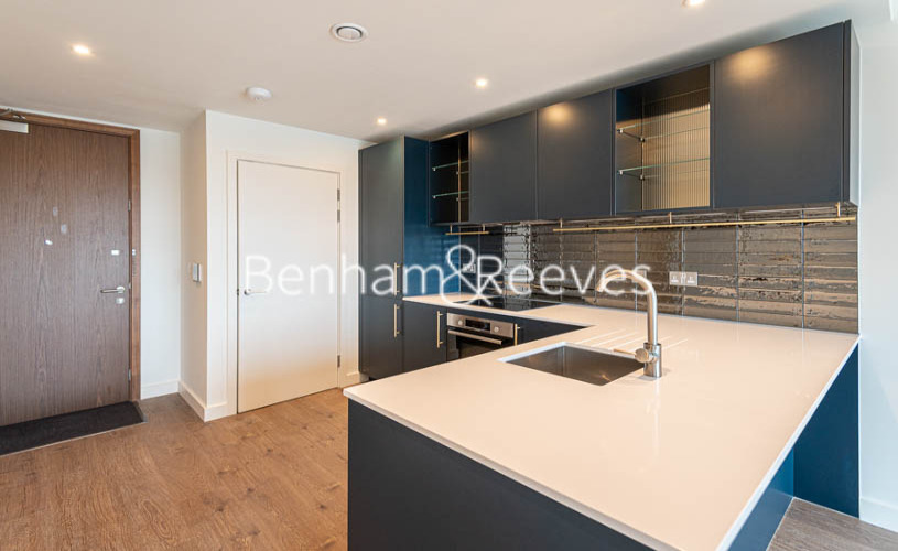 1 bedroom(s) flat to rent in Alington House , Mary Neuner Road, N8-image 1