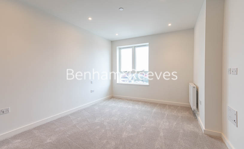 1 bedroom(s) flat to rent in Alington House , Mary Neuner Road, N8-image 5