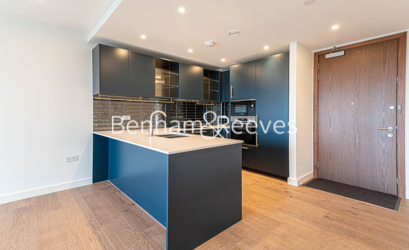 1 bedroom(s) flat to rent in Alington House , Mary Neuner Road, N8-image 11