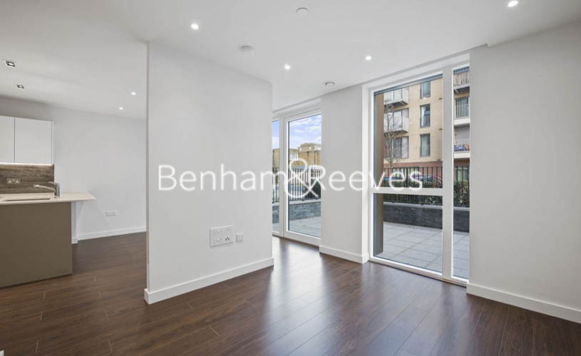 1 bedroom(s) flat to rent in The Parkhouse, Woodberry Park N4-image 1