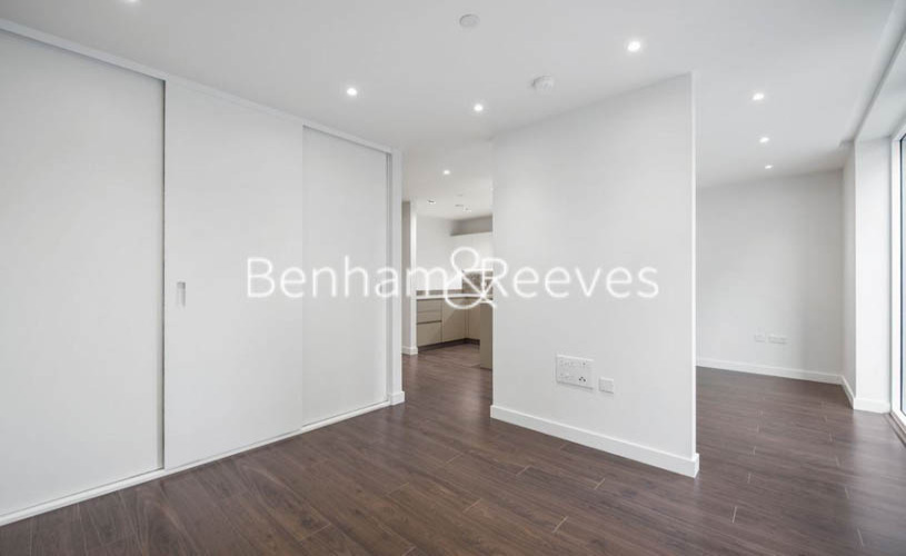 1 bedroom(s) flat to rent in The Parkhouse, Woodberry Park N4-image 3