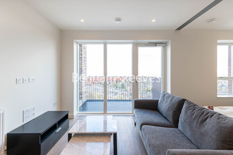 1 bedroom(s) flat to rent in Mary Neuner Road, Highgate,N8-image 1